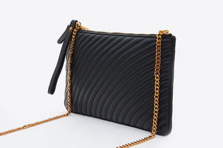 3905-1 Black Quilted Wristlet Purse