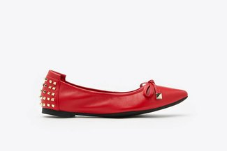 833-20 Red Spikes Embellished Leather Pointy Toe Flats