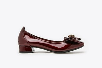 823-8 Maroon Oversized Crystal Embellished Ribbon Patent Square Toe Block Heels