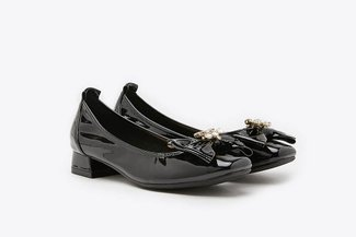 823-8 Black Oversized Crystal Embellished Ribbon Patent Square Toe Block Heels